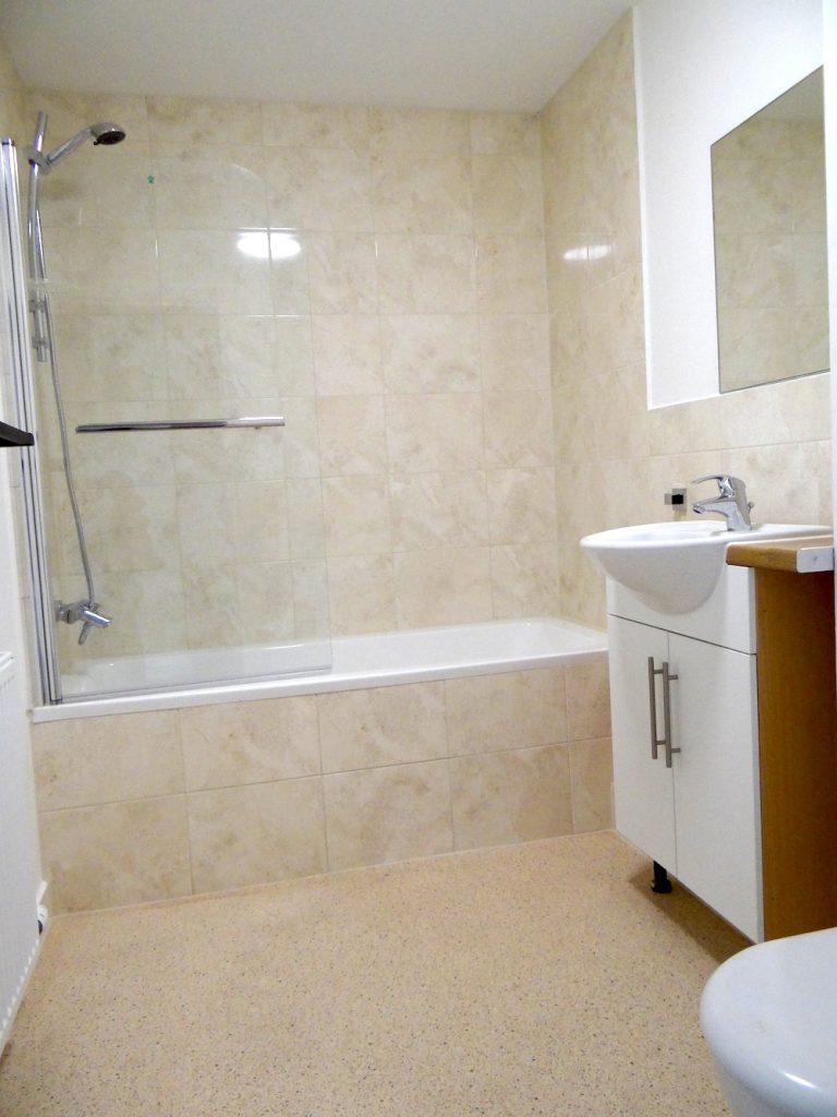 Flat A Bathroom